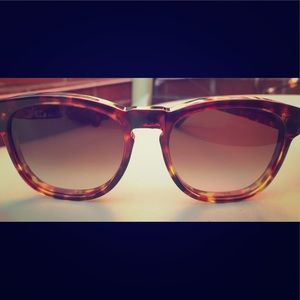 Wildfox classic fox tortoise sunglasses!